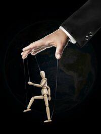 Marionet identificatie zonder controle over onvoorwaardelijke liefde